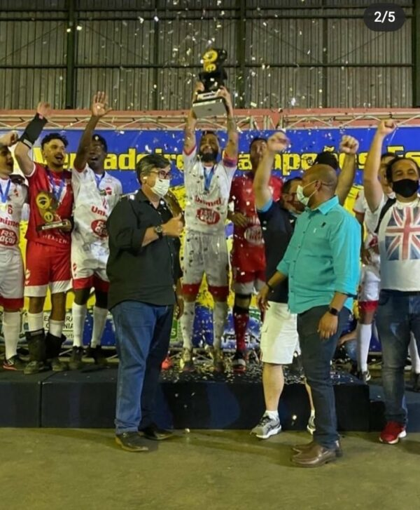 Vila Nova/Universo conquista a Copa Goiás de Futsal Masculino